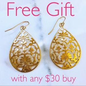 Jewelry - Free Gift 💝